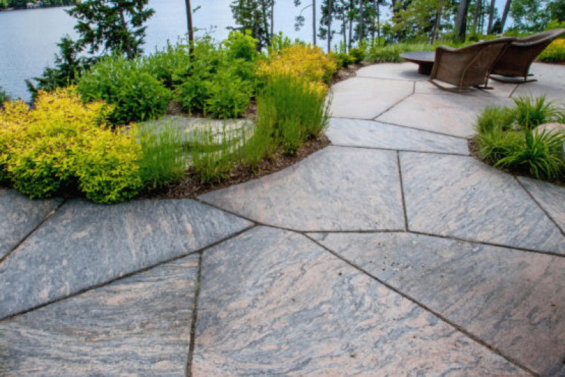"2"" Granite Flagstone (4 sq ft minus)"
